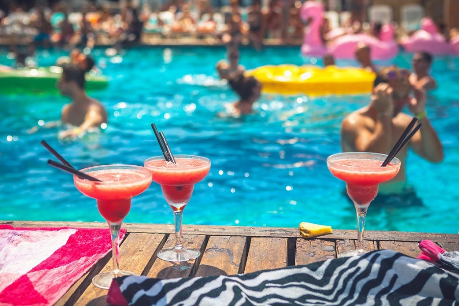 Kết quả hình ảnh cho Pool Party
