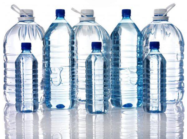 Cách lựa chọn nước tinh khiết đóng chai an toàn cho sức khỏe
